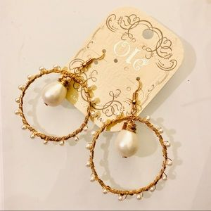 Boho style pearl gold wiring hoop earrings